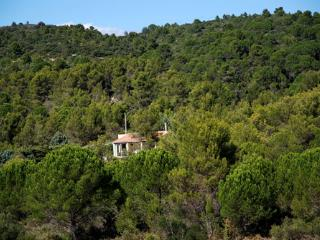 Studio gite with garden and views in Cesseras!