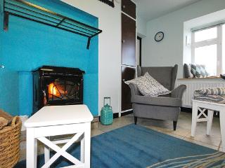Wood Haven - 5 minute walk to beach!, Dingle