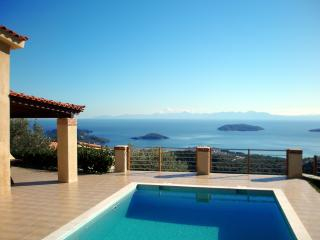 Villa Zaki 2 with private swimming pool - skiathos island, Cidade de Skiathos