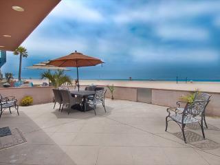 6602 A West Oceanfront- Lower 2 Bedrooms 2 Baths, Newport Beach
