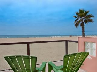 6602 B West Oceanfront- Upper 3 Bedrooms 3 Baths, Newport Beach