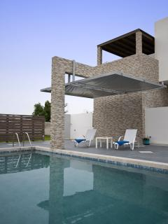 LUXUrY XENOS VILLA 1 WITH 3 BEDROOMS AND POOL