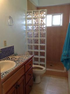 Ensuite bathroom in sea room