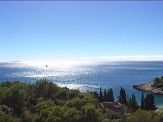 Studio Apartment with Stunning View, Hvar