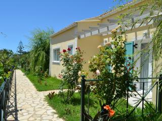 2 BEDROOM HYACINTH VILLA, Agios Georgios