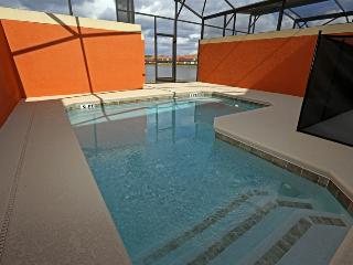 "PARADISE PALMS RESORT  Nana""s 4 BD Garden of Love - splash pool, lakeview Everything you want or Mo, Four Corners"