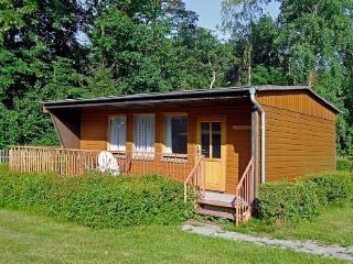 Vacation Bungalow in Biesenthal - 388 sqft, unique, natural, quiet (# 4812)