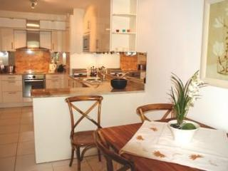 Isola 2 Bedroom Apartment with a Pool, Cannes