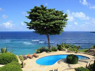 Oceanfront- Lighted Grass Tennis Court - Private Pool - Million Dollar Views, Cabrera