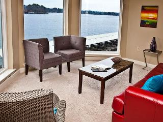 'MAIN CHANNEL BREEZE' : incredible  Lake Hamilton main channel, views galore!