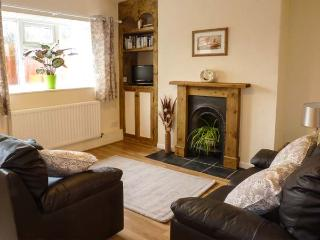 CAUSEWAY COTTAGE, pet-friendly, with a games room, in watchet, Ref. 904450