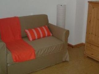 Vacation Apartment in Malsch (bei Wiesloch) - 431 sqft, nice, quiet, winery (# 4829), Bergheim