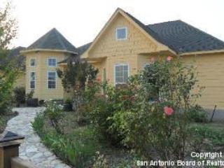 Charming Country Getaway - Book Now for SXSW!, holiday rental in Red Rock