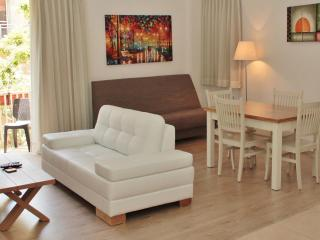 Jerusalem center, stunning 1 bedroom Apt, Jeruzalem