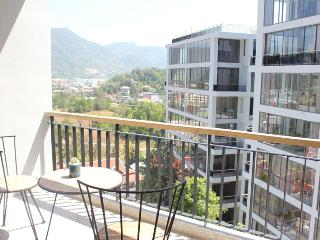 Studio Apartment - Walking Distance to Beach