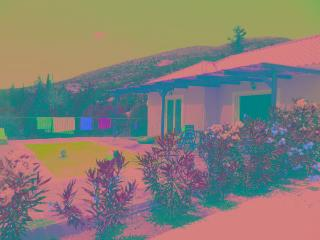 Villa naturiste avec piscine privee et grande intimite