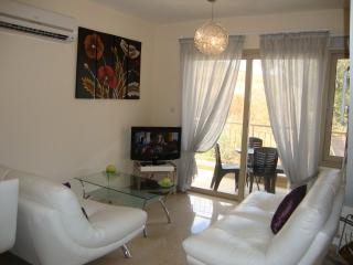 Luxury 1 Bed Penthouse - Jacuzzi - Spa Resort, Polis