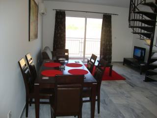Penthouse B6, Argaka