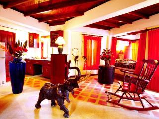 2 BR - Villa Bougainvillea (king-suite), Sao Hai