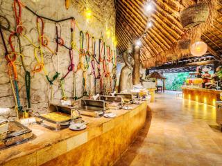 Riviera Maya -  Mayan Palace, Playa Paraiso