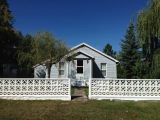 Charming Home Near Flathead Lake, Polson