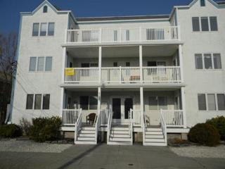Modern 3d Floor Condo 8 Houses from the Atlantic!, Ocean City