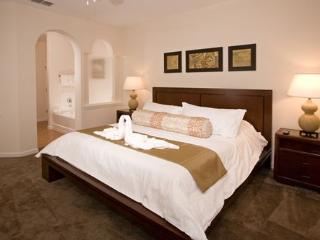Orlando Kissimmee Disney 3 Bedroom Resort Condo 223, Winter Garden
