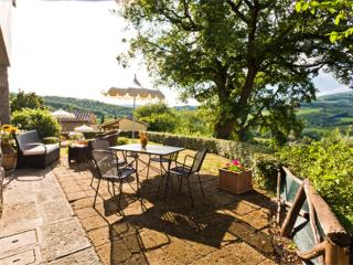 Radda in Chianti Apartment Sleeps 2 with Pool and WiFi - 5762377