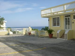 Penthouse 304  Walking Distance to Sandy Beach, Rincon