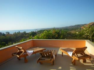 Sunrise Villa, Nosara. Ocean view and near beach