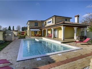 4 bedroom Villa in Vodnjan, Istria, Croatia : ref 2234602