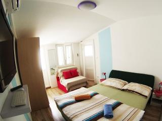CroParadise Blue Studio Apartment, Split