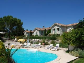 Large Luxury Villa With Private Heated Pool, Jacuzzi & Sauna For Up To 25 People, Rouffignac-de-Sigoules