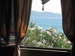 Sea View Apartment minutes from the Igalo beach, Herceg-Novi