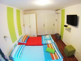 CroParadise Lime Green Apartment, Split