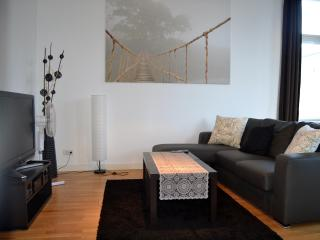 Relaxing and Cozy Vacation Rental with a Balcony, Berlín