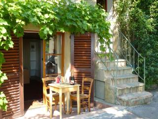Small Studio - Big View & WIFI in Medieval Village, Cagnes-sur-Mer