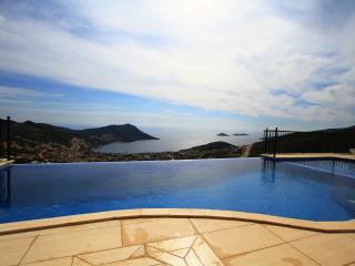 4 Bedroom Seaview Villa in Kalkan (FREE CAR OR TRANSFER)
