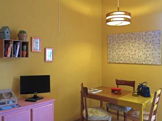 Colorful 1 Bedroom Apartment in Florence, Florencia
