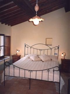 All rooms freature timber ceilings and original cotto floors.