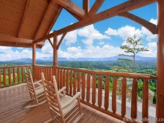 Amazing Views of the Smoky Mountains - Excellent Location!