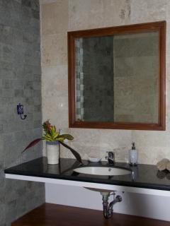Lumba-Lumba Bathroom