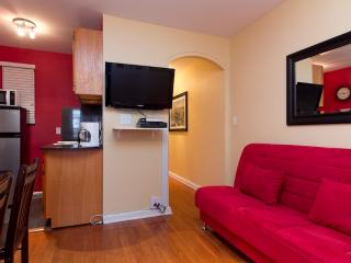Sleeps 5! 2 Bed/1 Bath Apartment, Midtown East, Awesome! (6835)