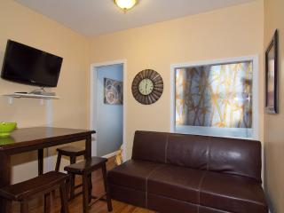 Sleeps 7! 3 Bed/1 Bath Apartment, Times Square, Awesome! (7805)