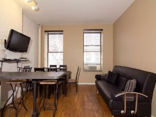 Sleeps 7! 3 Bed/2 Bath Apartment, Times Square, Awesome! (7836)
