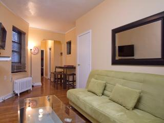 Sleeps 7! 2 Bed/1 Bath Apartment, Midtown East, Awesome! (7837)