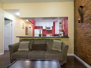 Sleeps 7! 3 Bed/2 Bath Apartment, Times Square, Awesome! (7990)