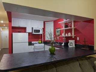 Sleeps 8! 3 Bed/2 Bath Apartment, Times Square, Awesome! (8505)
