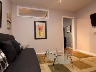 Sleeps 3! 1 Bed/1 Bath Apartment, Midtown East, Awesome! (8081)
