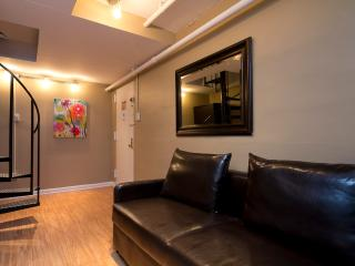 Sleeps 7! 3 Bed/2 Bath Apartment, Times Square, Awesome! (8221)